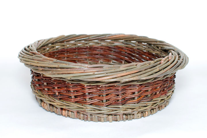 deep round willow tray