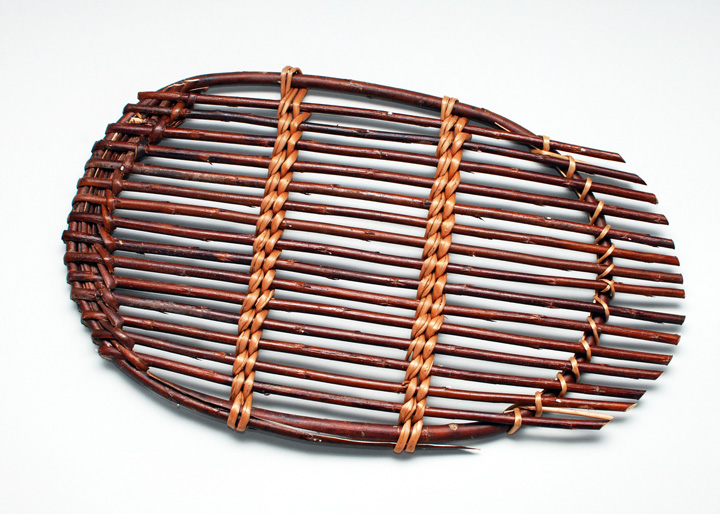 oval willow trivet